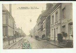61 . LE MERLERAULT . RUE DE NONANT . CAFE DE LA PLACE - Le Merlerault