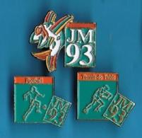 3 PIN'S  //    ** JEUX MÉDITERRANÉEN 93 / FOOT / PING PONG ** . (© COJM 93 1992) - Pin's