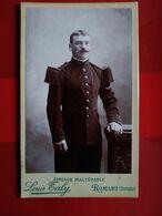 Photographie CDV Militaire Debout Meilleur Tireur Du 75 ème R.I - Photo De Louis Taly, ROMANS (26) - TBE - Krieg, Militär