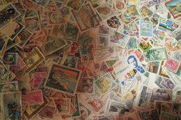 600 Timbres D'ITALIE - Lots & Kiloware (mixtures) - Max. 999 Stamps