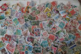 600 Timbres De SUISSE - Lots & Kiloware (mixtures) - Max. 999 Stamps