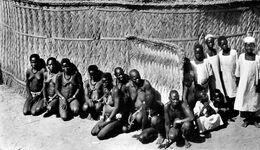 NU Ethnique * Nord Cameroun * Chef Village Et Famille * Femmes Seins Nus * Nue Curiosa Nude * Ethnic Ethno Kamerun - Süd-, Ost-, Westafrika