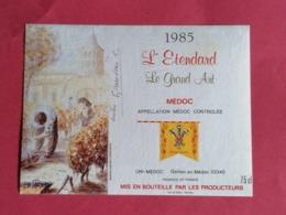 -MEDOC ETIQUETTE L'ETENDARD  LE GRAND ART 1985  DECOREE ET SIGNEE PAR C.GIRAUDEAU                       /13/08/20 - Bordeaux