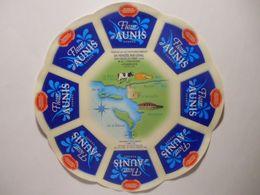 GG009 - Grande étiquette De Fromage FLEUR D'AUNIS - USVAL GLAC - ST-MICHEL-EN-L'HERM Vendée - SURGERES 17 - Cheese