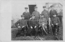 CARTE PHOTO ALLEMANDE  LIART 1915  PERSONNEL Du BETRIEBSAMT LIART Devant La GARE - Frankreich