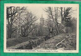 Delle (90) église Au Loin 102. Guerre 1914-15. - LES TRANCHEES. Tranchées Aux Abords D'un Village. 2scans Sabots Pelle - Delle