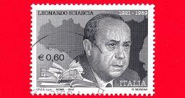 ITALIA - Usato - 2010 - Leonardo Sciascia (1921-1989), Scrittore - Ritratto Su Cartina Della Sicilia - 0,60 - 1946-.. République