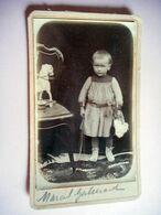 PHOTO CDV 19 EME ENFANT MARIE GALLERAND ET SES JOUETS MODE  Cabinet ANONYME - Ancianas (antes De 1900)