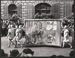 Fotografie Ansicht München, Festumzug Zur Eröffnung Des Deutschen Jagdmuseums 1938, Falkner Altdeutsche Jagdszene - Lieux