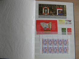 Nederland Postfris Guldens In Zwart Album 12 Blz Vol Zie Scan's - Stamps