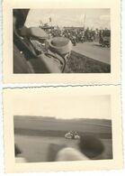Lot De 2 Photos Anonymes - CIRCUIT DE METTET - Thème MOTO - 1957 - Dimensions 10/7.4 Cm - Sport