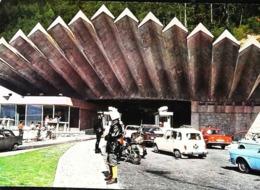 CPSM   Tunnel Mont Blanc  Douanier Custom  Automobile Renault  4  4L - Customs