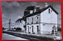 Cpsm Photo 86 ROUILLE La Gare Pas Courant Passage A Niveau - Altri Comuni