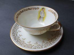 """Tasse Et Sa Sous Tasse De Communion En Porcelaine De Limoges """" Stylis """" Année 60 - TBE - - Religion & Esotericism"""