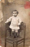 B70979 Cpa Carte Photo Enfant - Portraits
