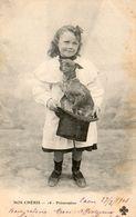 CPA. Nos Chéris - Présentation D'un Chien Teckel Dans Un Chapeau Haut De Forme - 1903. Scan Du Verso - - Cani