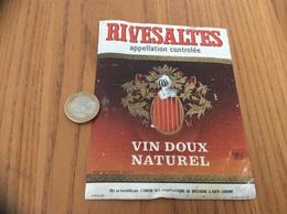 Etiquette Vin «RIVESALTES - UNION DES COOPÉRATEURS DE BRETAGNE - LORIENT (56)» - Languedoc-Roussillon