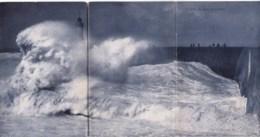 Carte Panorama En 3 Volets -  La Jetee Un Jour De Tempete - Postcards