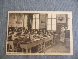 Abbeville  école Saint Vulfran   Une Des Classe - Abbeville