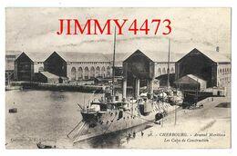 CPA - CHERBOURG 50 Manche - L'Arsenal Maritime - Les Cales De Construction ( Bateau De Guerre ) N° 98 - Ed. A. Becquemin - Guerra