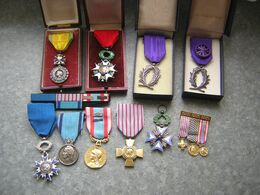 LOT DE MEDAILLES - Medailles & Militaire Decoraties