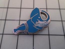 615d Pin's Pins / Beau Et Rare / THEME : ANIMAUX / ELEPHANT BLEU Par L BICHET - Tiere