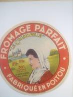 ETIQUETTE/CAMEMBERT/FROMAGE PARFAIT/CHAMBRILLE/FABRIQUE EN POITOU - Fromage
