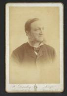 HOMME AVEC ROUFLAQUETTES * PHOTO CABINET * H DANDOY * LIEGE * 16.5 X 11 CM - Alte (vor 1900)