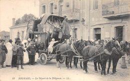 BOGHARI - Le Départ De La Diligence - Beau Plan Animé.Attelage. - Other Cities