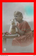 CPA FANTAISIES.  Jolie Femme Et Son Chat...S2564 - Mujeres