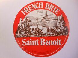 GG020 - Grande étiquette De Fromage FRENCH BRIE SAINT BENOIT - 55551 VIGNEULLES-LÈS-HATTONCHÂTEL - Hutin - Meuse 55 BE - Käse