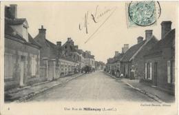 D41 - MILLANCAY - UNE RUE DE MILLANCAY - Nombreuses Personnes - Une Religieuse - Charrette Avec 2 Chevaux - France