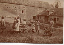 Photo Cour De Ferme Avec Enfants 1918 Format 8/6 - Personnes Anonymes