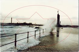 Radartoren En Vissersmonument (20 X 30). Zie Extra Info ! Oostende - Ostende (Kaft 3) - Photographs