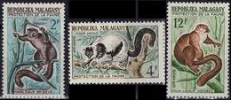 MADAGASCAR 357 358 359 ** MNH Protection De La Faune Lémuriens - Madagascar (1960-...)