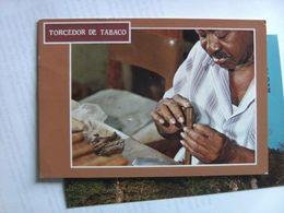 Cuba Cigar Maker At Work - Cuba