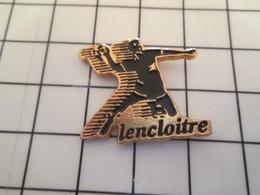 615d Pin's Pins / Beau Et Rare / THEME : SPORTS / HAND-BALL CLUB LENCLOITRE - Pallamano