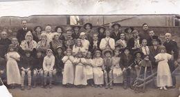 JOLIE  PHOTO ANCIENNE DE CARNAVAL / ENFANTS OUS DEGUISES / 16X7 - Personnes Anonymes