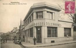 MALESHERBES RUE DE LA REPUBLIQUE ET HOTEL DES POSTES - Malesherbes