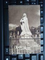 Cpa Statue érigée Au Cimetière Des Carmélites De Lisieux. 1932 - Santos