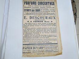 Sur Papier Buvard  1901 Pub Parfums Concentrés Fabrication De Liqueurs Descouraux Pharmacien à Vernon Eure20 Menil - Carte Assorbenti
