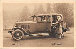 Collection Peugeot La 12 Six Et Les Célébrités Contemporaines Ici Dolly Davis ( Actrice Française) - Entertainers