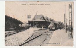Bouches-du-Rhône > Tarascon,  La Gare Avec Trains Et Locomotive - Tarascon