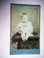 PHOTO CDV 19 EME ENFANT BEBE  MODE  Cabinet LENOBLE A TONNERRE - Oud (voor 1900)