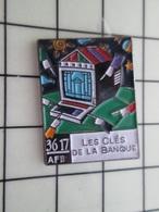 713K Pin's Pins / Beau Et Rare / THEME : BANQUES / LES CLES DE LA BANQUE 3617 MINITEL - Banken