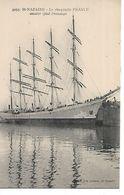 Voilier - Le Cinq-mâts FRANCE Amarré Quai Demange - SAINT NAZAIRE (44) - Segelboote