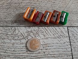 5 Taille Crayon  Ancien En Bakélite  Article De Bureau - Andere Verzamelingen