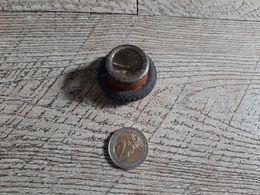 Taille Crayon  Ancien En Métal Forme De Roue  Article De Bureau Rare - Andere Verzamelingen
