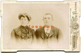 Photo Cabinet E. Pliego Portrait Man And Woman Pamplona Navarra España - Old (before 1900)