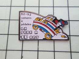 713K Pin's Pins / Beau Et Rare / THEME : SPORT / FEDERATION DE VOITURES A PEDALES 10 ANS - Automobilismo - F1